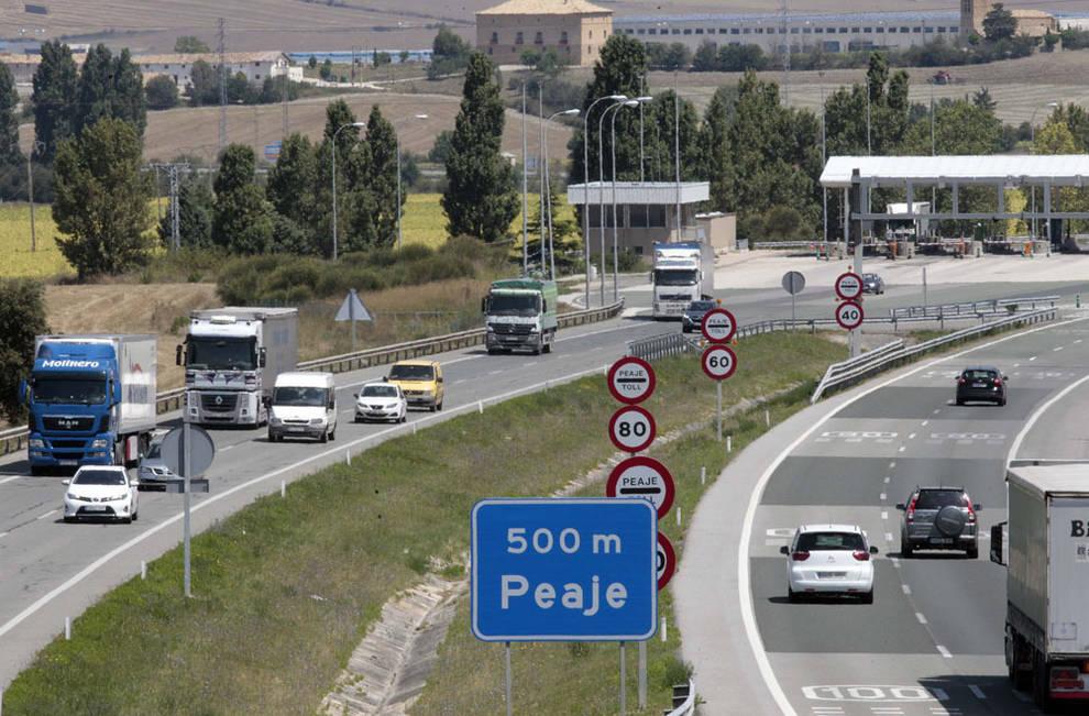 Se prohíbe la circulación de camiones por la N-121 y se desvía a la AP-15